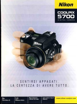 ITALIAN language 2002 Nikon Coolpix 5700 Digital Camera brochure 21x28 cm 8 pages refS2-0  This vintage publication is in Good Condition for age.  Please read the full description and see photo. This listing is for the Magazine ONLY. Sorry no extras