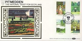 17th Century Garden Pitmedden National Trust for Scotland silk picture cover GARDEN STAMPS BLS5 Benham refD154 In very good condition. With Insert Card. Please see larger photo and full description for details.