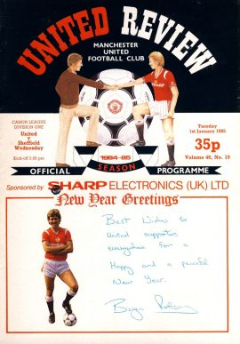 New Year Greetings Manchester Utd v Sheffield Wednesday 1st Jan 1985 Official Programme refE102047 United Review Vintage programme as listed and shown in the photo. Please see large photo and read full description for condition report.