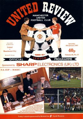 United v Manchester City 10th January 1987 Official Programme refE102054 United Review Vintage programme as listed and shown in the photo. Please see large photo and read full description for condition report.