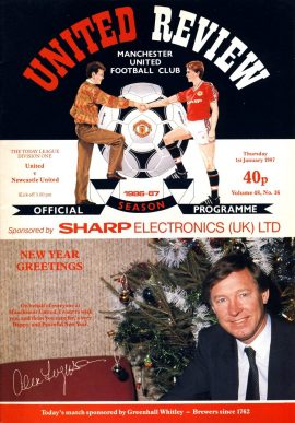 Manchester United v Newcastle Utd 1st January 1987 Official Programme refE102056 United Review Vintage programme as listed and shown in the photo. Please see large photo and read full description for condition report.