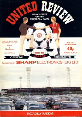 Manchester Utd v Fluminense 6th August 1986 Official Programme refE102059 United Review Vintage programme as listed and shown in the photo. Please see large photo and read full description for condition report.