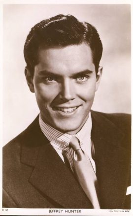 Jeffrey Hunter 20th Century Fox photo Picturegoer postcard. An original postcard in good condition for its age. Please see large photo and description for details. ref129
