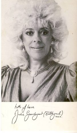 Julie Goodyear (Bet Lynch) Coronation Street Cast printed signature card rcd11 good condtion with some marks of front and handling marks on the reverse side which is blank. Postcards may have signs of handling such as wear to edges. Please see large photo and full description for details.