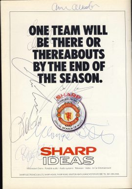 Good Used Condition. This vintage programme has been read with a small tear to side of cover