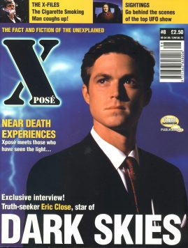 X POSE #8 1997 Eric Close DARK SKIES magazine ref100650 Pre-owned in good condition. Magazine ONLY