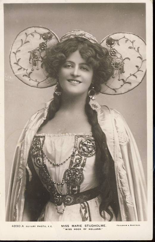 Miss Marie Studholme 'Miss Hook of Holland' Rotary Photo 1903 Posted Vintage Postcard. An original postcard in good condition for its age. Please see large photo and description for details. Ref197