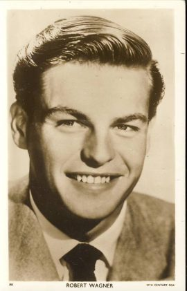 Robert Wagner 20th Century Fox Picturegoer Vintage Postcard. An original postcard in very good condition for its age. Please see large photo and description for details. Ref185