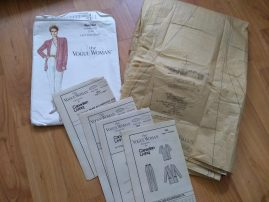 This vintage sewing pattern was supplied by a magazine. It has not been used. The packet says size 20-22-24.  Please see large photo for more detail and full description for condition report.