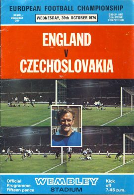 ENGLAND v CZECHOSLOVAKIA 1974 Wembley official programme European Football Championship ref0104 A1 Henri Delaunay Cup Group One Qualifying Competition. Pre-owned item.