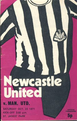 1971 Newcastle United v Man Utd St James Park official programme ref0117 A1 Still with Football League Review magazine in middle showing Keith Newton and mystery Chelsea player on cover - Gillingham FC centre fold picture.  Pre-owned item.