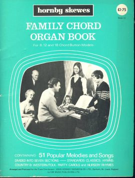 Family Chord Organ Book 1971 Songbook hornby skewes ref101539 music and words containing 51 popular melodies and songs. Book IV in good used condtion.