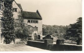CHARTWELL house WESTERHAM Winston Churchill vintage photo postcard Photograph by Geo. P. King Sevenoaks showing the home of Sir Winston and Lady Churchill. refP7 Pre-owned in good condition. Unposted.