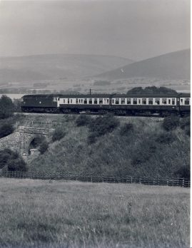 47.157 1981 10.20am Settle Carlisle Line Train Photo refSC126 Measure approx 6.5 x 8.5 inches / 16cm x 21cm - an original 'W.A.Sharman' black and white photographic print pre-owned item in very good condition. Details on reverse.