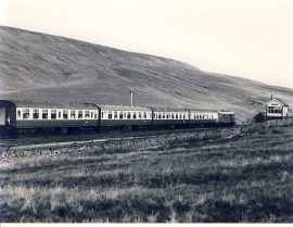 BLEA MOOR SIDINGS BOX 1982 31.183 Train Photo refSC133 Measure approx 6.5 x 8.5 inches / 16cm x 21cm - an original 'W.A.Sharman' black and white photographic print pre-owned item in very good condition. Details on reverse.