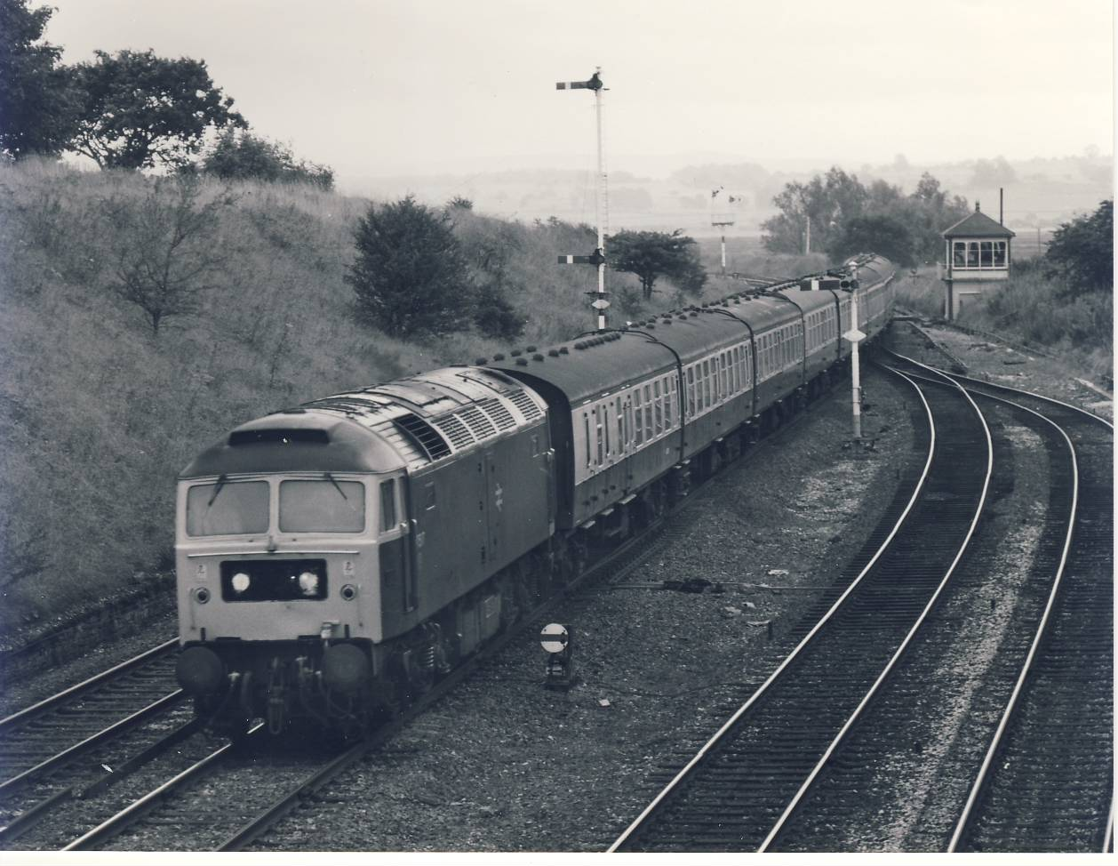 1981 Settle Junction Box 47.517 Train Photo refSC138 Measure approx 6.5 x 8.5 inches / 16cm x 21cm - an original 'W.A.Sharman' black and white photographic print pre-owned item in very good condition. Details on reverse.