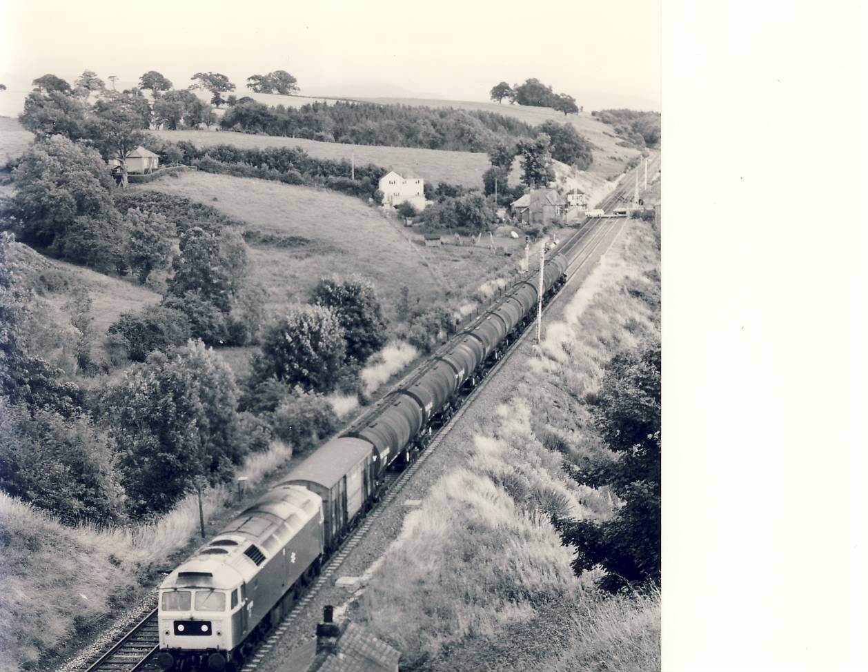 24th August 1982 47.296 Train Photo refSC141 Measure approx 6.5 x 8.5 inches / 16cm x 21cm - black and white photographic print pre-owned item in very good condition.