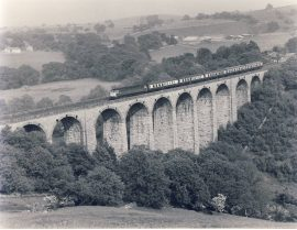 1983 SMARDALE VIADUCT with class 47 heading north Train Photo refSC143 Measure approx 6.5 x 8.5 inches / 16cm x 21cm - an original 'W.A.Sharman' black and white photographic print pre-owned item in very good condition. Details on reverse.