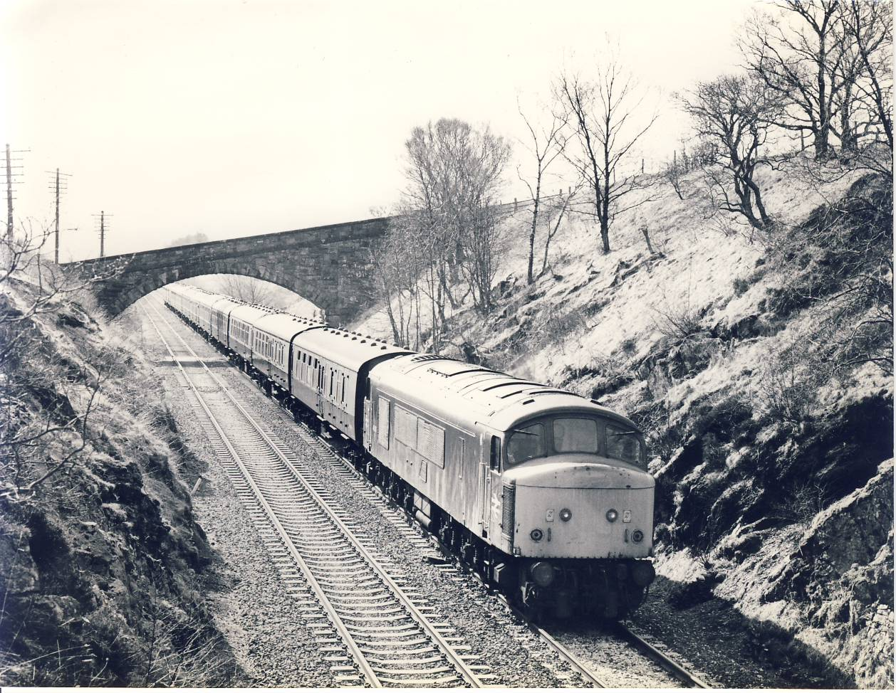 1984 BIRKETT TUNNEL Settle Carlisle Line 45.109 Train Photo refSC154 Measure approx 6.5 x 8.5 inches / 16cm x 21cm - an original 'W.A.Sharman' black and white photographic print pre-owned item in very good condition. Details on reverse.