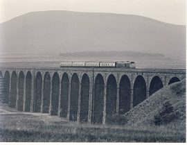 1982 Ribbleshead Viaduct 31.141 Train Photo refSC158 Measure approx 6.5 x 8.5 inches / 16cm x 21cm - an original 'W.A.Sharman' black and white photographic print pre-owned item in very good condition. Details on reverse.
