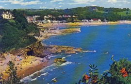 1985 Glen Beach Saundersfoot PEMBS Old Postcard refP9 Pre-owned used condition with name address and message on reverse. 13P STAMP