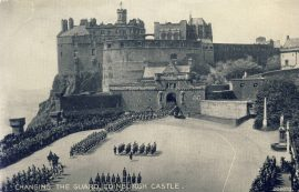 1958 Changing of the Guard EDINBURGH CASTLE Old Valentine's Postcard refP9 Pre-owned used condition with name address and message on reverse with stamps.